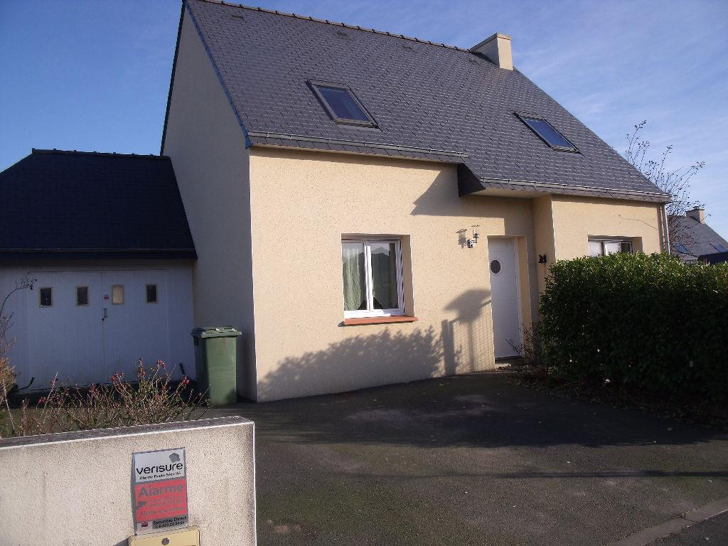 A vendre maison 93 m guiclan cabinet lci for Garage a louer 93